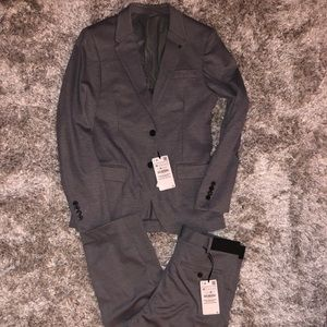 Suit 38/32
